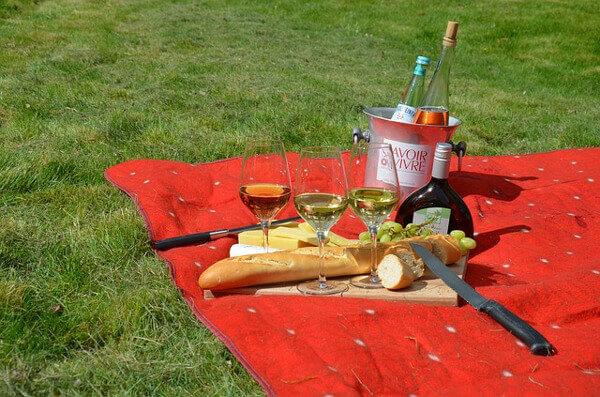 Picknickdecke in der Wiese