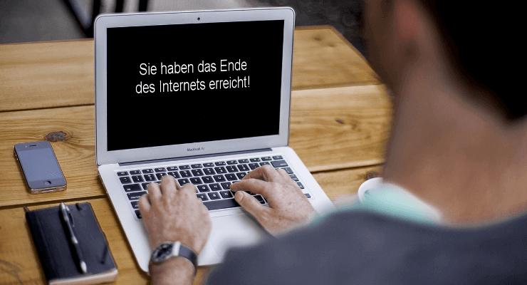 Laptop mit Aprilscherz: Sie haben das Ende des Internets erreicht!
